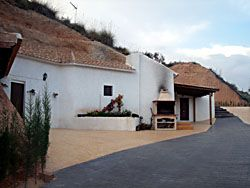 •Casa Cueva Río Chícamo